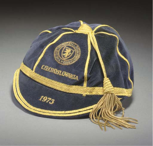 Willie Morgan's Scotland football cap v Czechoslovakia 1973